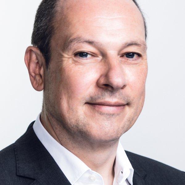 Dr.Hans-Jürgen-Poppe-Associate-Parter-REDPOINT.TESEON